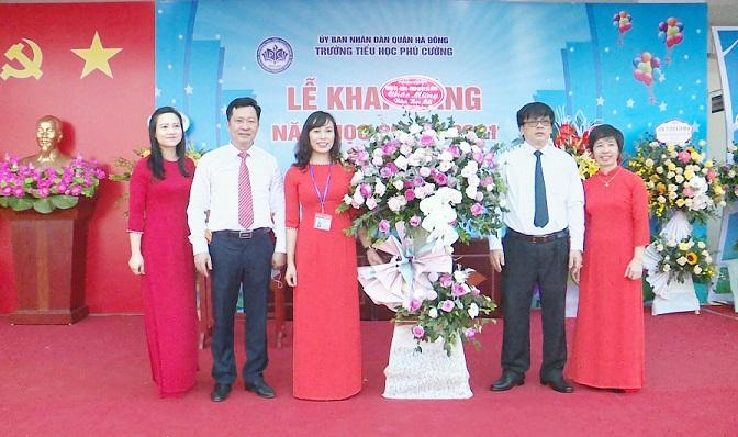 Học sinh quận Hà Đông tưng bừng trong ngay ngày hội toàn dân đưa trẻ đến trường dự lễ khai giảng năm học mới 2020 - 2021